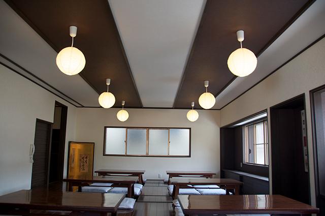 桜の間・2階宴会場【30~40名様まで】 法事・会合、お集まり等でご利用ください。